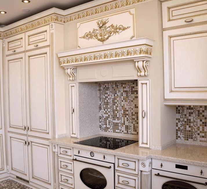 классическая кухня с порталом