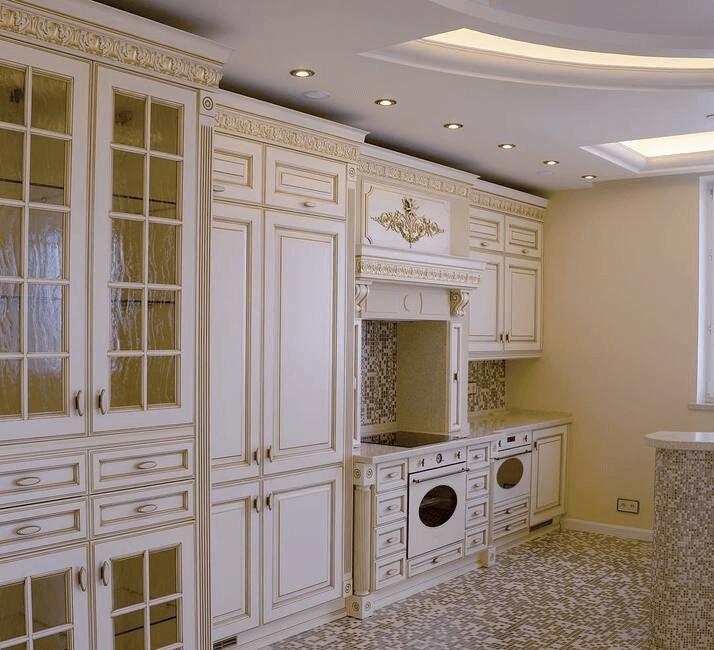 классическая кухня с патиной