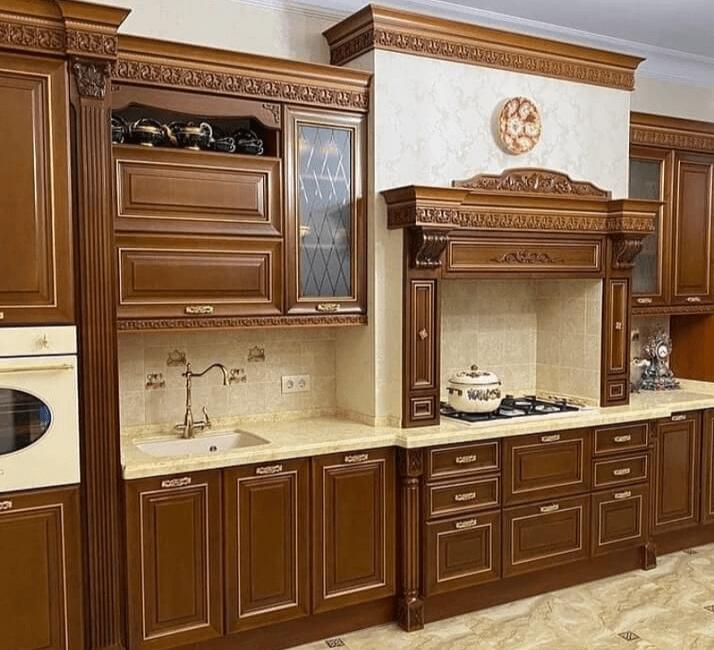 коричневые кухни в классическом стиле