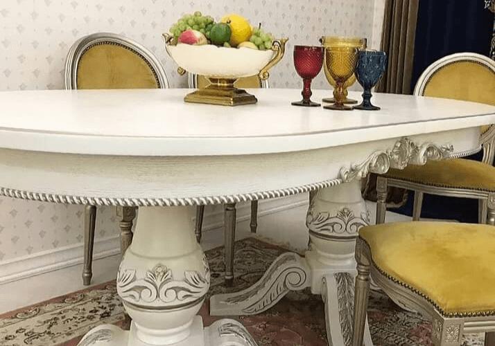 стол с патиной классический