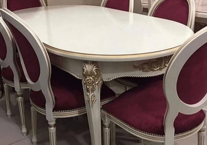стол классический с патиной