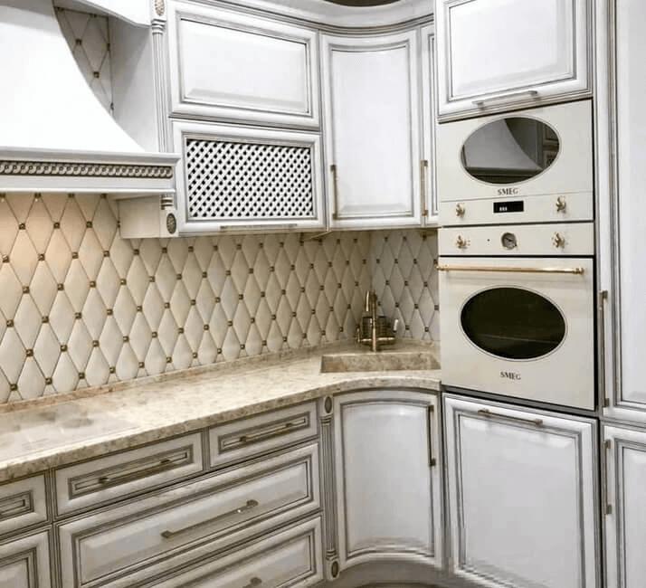 состаренные фасады кухни классика