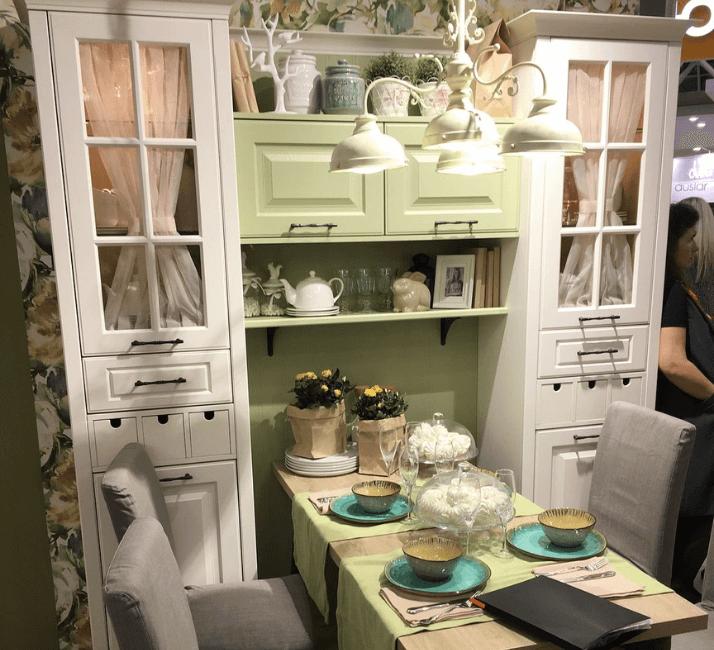 шкаф прованс и стол кухня
