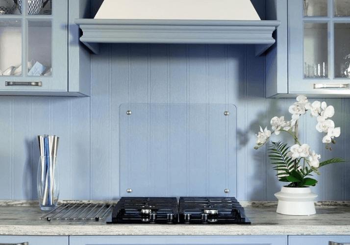 стетло-голубой фартук кухни в стиле прованс