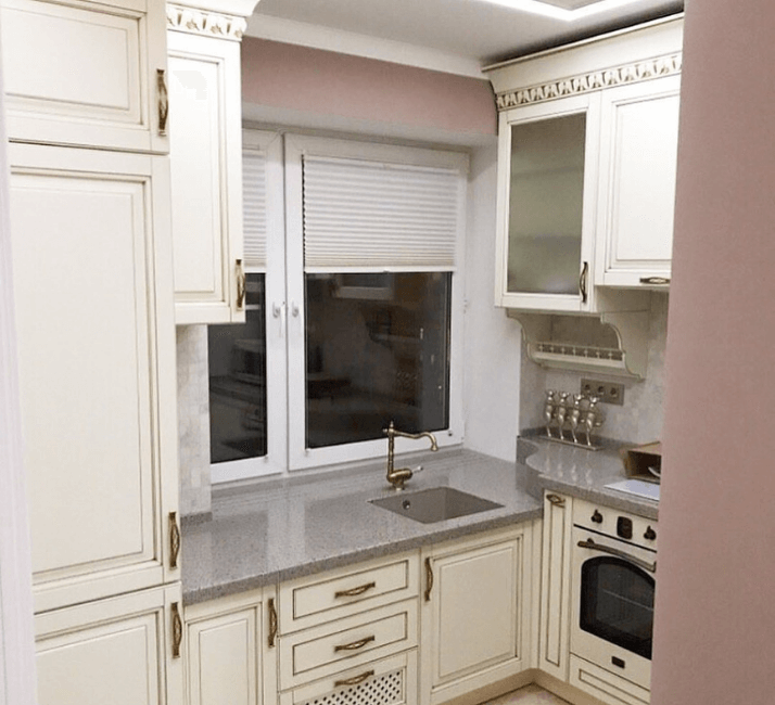 кухни в стиле неоклассика стены цвет