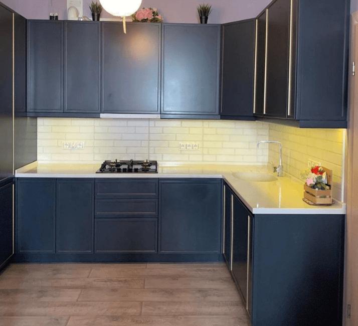 темно-серая кухня фото