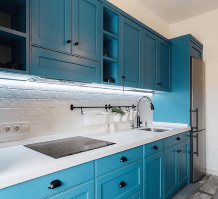 кухни в стиле прованс ярко голубые