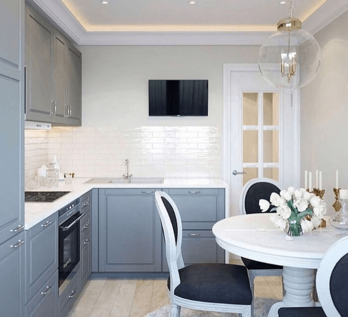 кухни в стиле неоклассика светлые стены