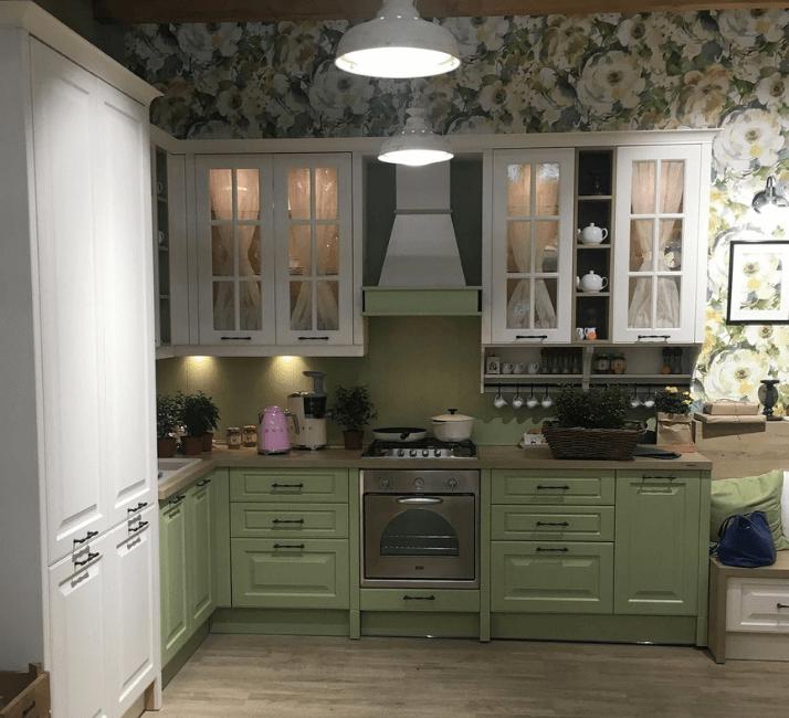 бело зеленая кухня в прованс