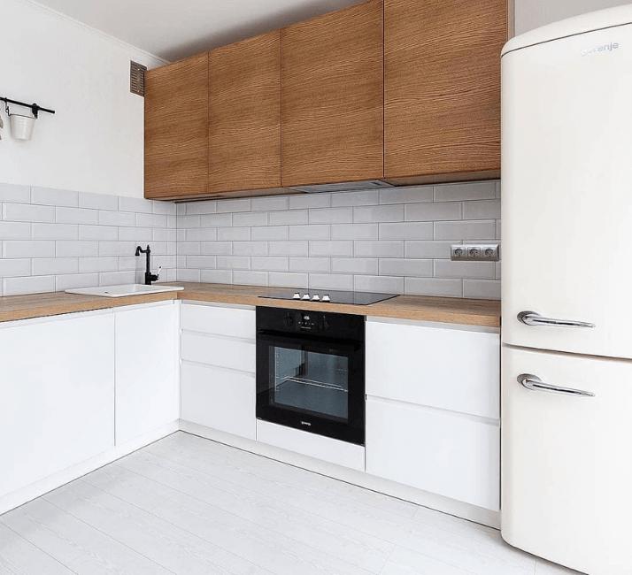 кухня угловая со встроенным холодильником