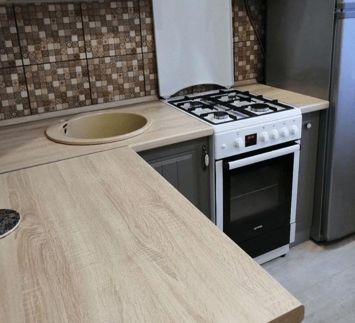 деревянная столешница кухни в стиле прованс