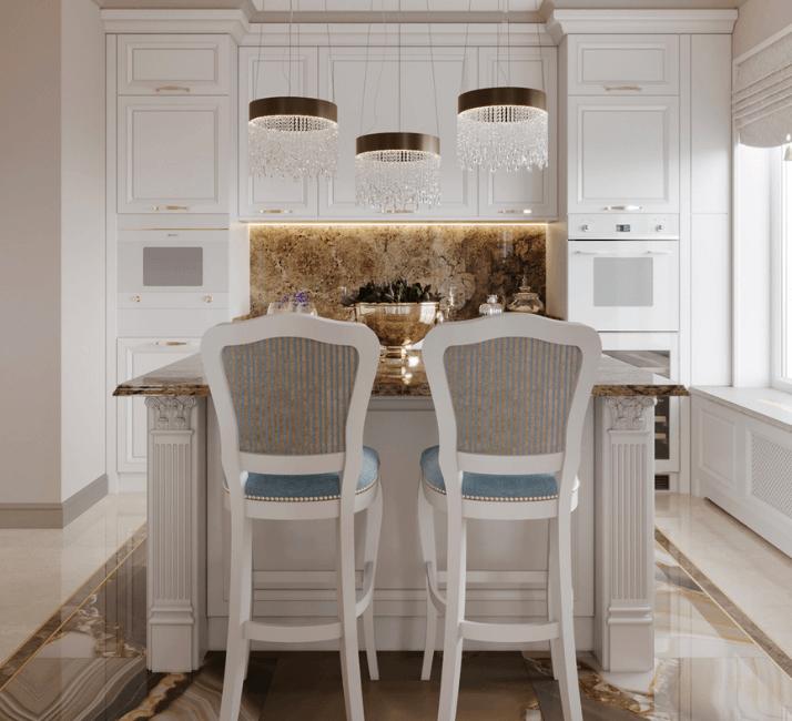кухни в неоклассическом стиле с большой люстрой