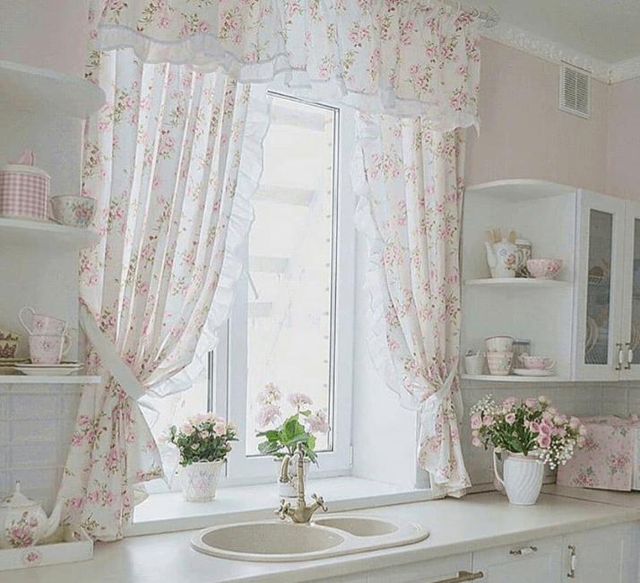 шторы на кухне прованс