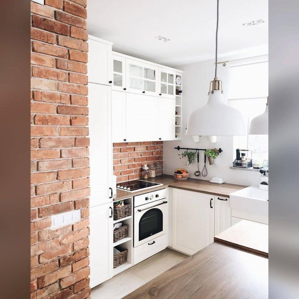 кухня лофт стена кирпичиком
