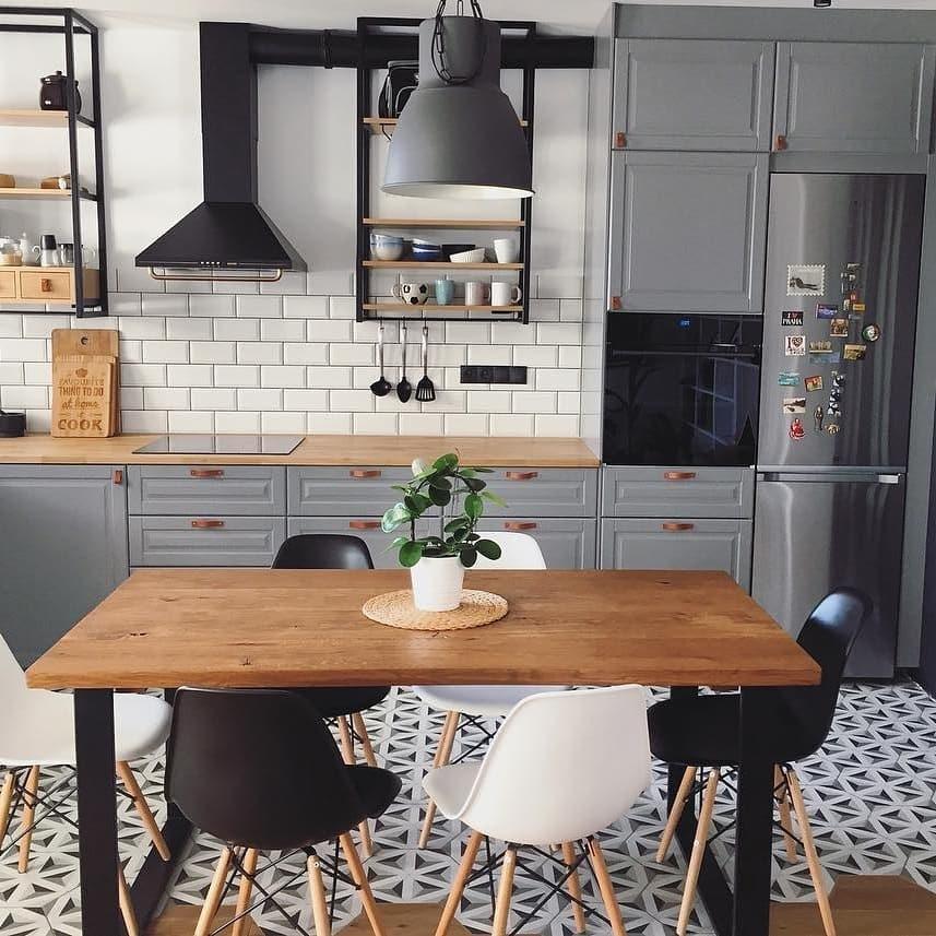 кухня со столом в лофт