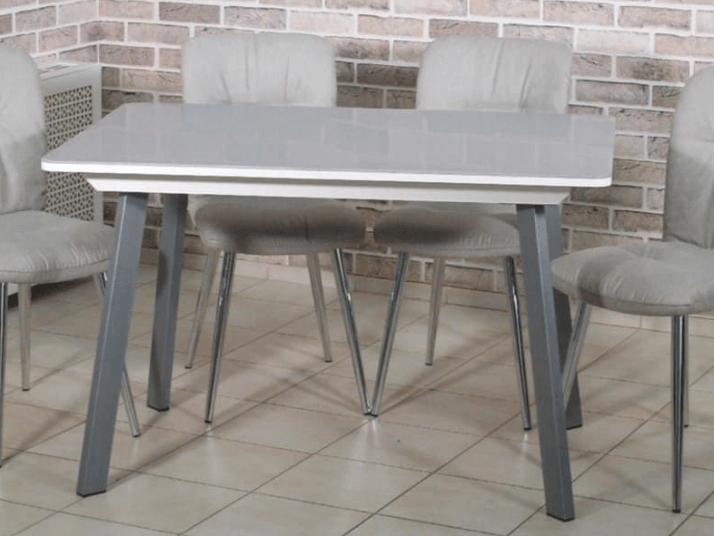 современный светлый стол