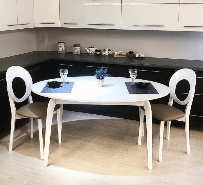 какой стол выбрать для белой кухни