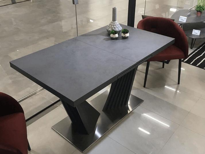стол темный в стиле лофт