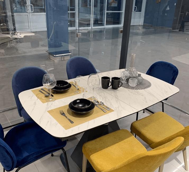 стол большой светлый из керамики