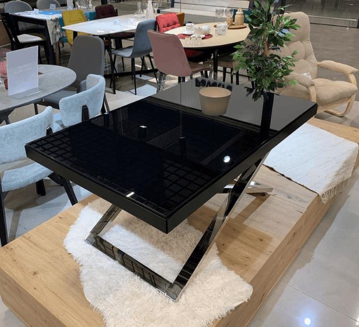 темный стол трансформер для кухни