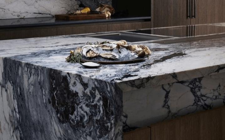 Мраморные кухонные столешницы брекчия капрайра отзывы