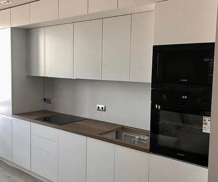матовые фасады белой кухни