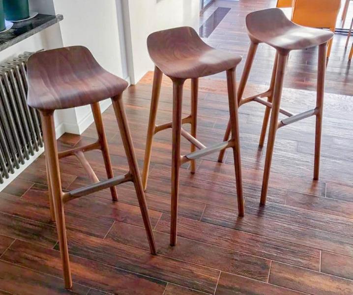 барные стулья из ореха