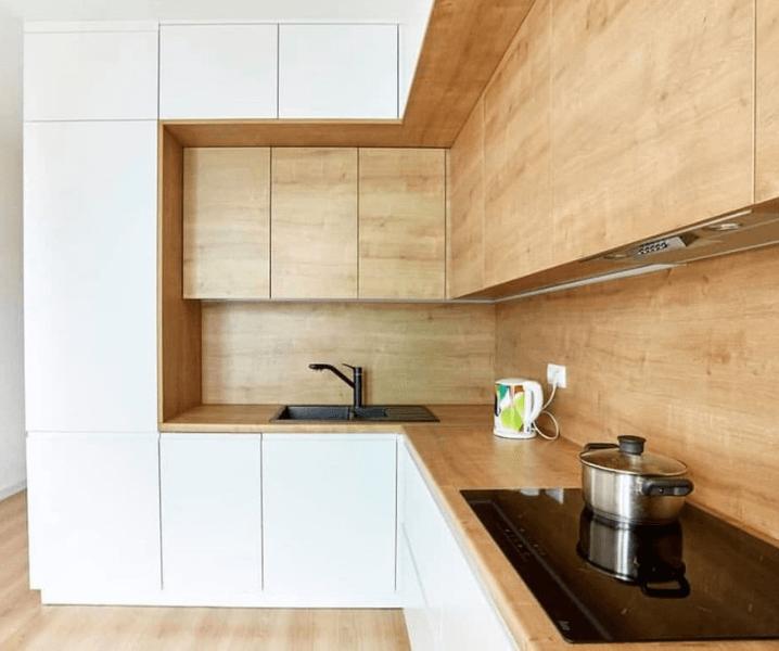 крутой дизайн белой кухни