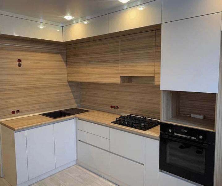 белая кухонька красота