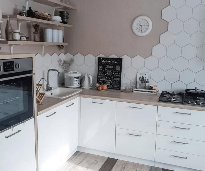 эко-стиль кухня современная угловая бело-бежевая