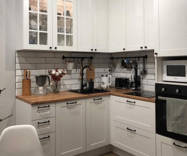 скандинавская угловая современная кухня белая
