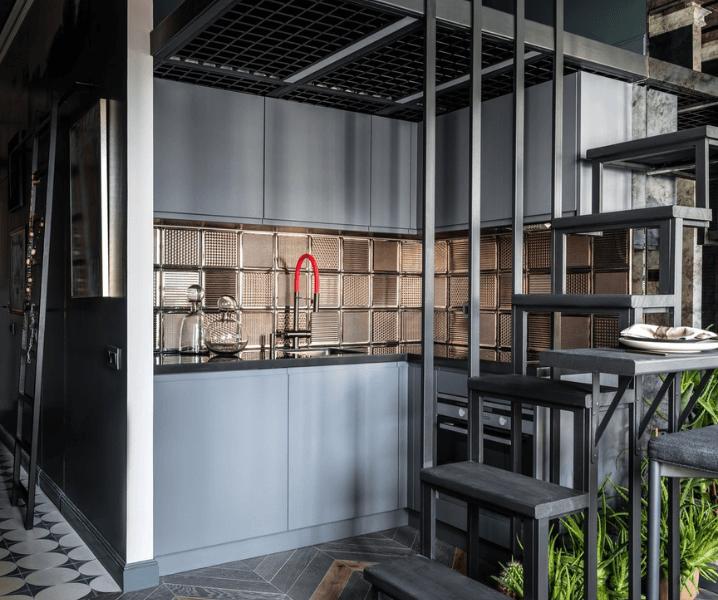 серая кухня в стиле лофт и сталь